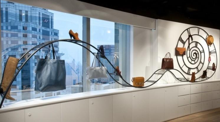 鞋店橱窗手绘效果图; 爱马仕带来一丝清新气息-时尚