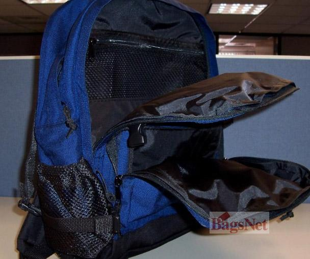 信息内容: 品名军用背包 数量1500个/1400个 1.用途:用来装书本和一些生活用品的; 2.设计:首先要有一个加固的底部,底部边缘是用1680一纤度的尼龙(1680 丹尼尔)做的;背包是完全根据 厚重型的超轻抗撕防划的过胶尼龙面料完成的;其次缝合背包的线路颜色要与背包的颜色相类似; 3.